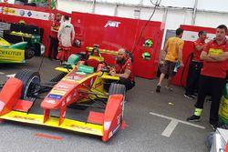 Atmosphère dans le garage ABT Schaeffler Audi Sport
