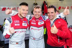 Обладатель поула в классе LMP1 - Марсель Фесслер, Андре Лоттерер, Бенуа Трелюйе, Audi Sport Team Joe