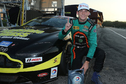 Ganadores de la pole #99 Automatic Racing Aston Martin Vantage GT4: Rob Ecklin, Al Carter