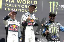 Podium: tweede Toomas Heikkinen, EKS RX; Winner Mattias Ekström, EKS RX; derde Ken Block, Hoonigan R