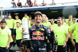 Tweede plaats Daniel Ricciardo, Red Bull Racing viert feest met het team