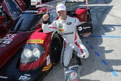Ganador de la pole Jonathan Bomarito, Mazda Motorsports