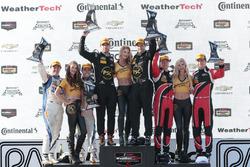 PC-Podium: Sieger Robert Alon, Tom Kimber-Smith, PR1 Mathiasen Motorsports; 2. Jon Bennett, Colin Br