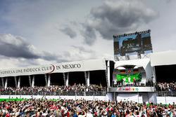 The podium (L to R): Nico Rosberg, Mercedes AMG F1, second; Lewis Hamilton, Mercedes AMG F1, race wi
