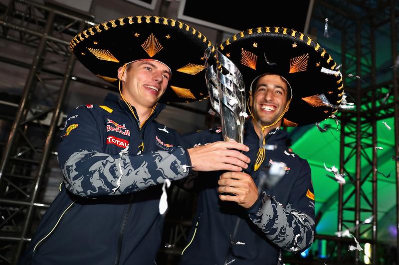 Podio: tercer lugar Daniel Ricciardo, Red Bull Racing con Max Verstappen, Red Bull Racing