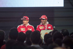 Kimi Raikkonen, Ferrari y Marc Gene, Piloto de prueba, Scuderia Ferrari en el Shell Eco-marathon car