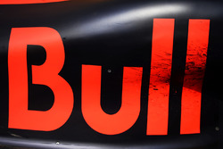 Red Bull Racing RB12 sidepod