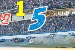 Alex Bowman, Hendrick Motorsports Chevrolet spins