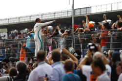 Race winner Lewis Hamilton, Mercedes AMG F1, celebrates with fans