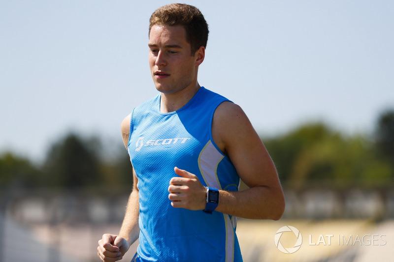 Stoffel Vandoorne, McLaren, jogs the circuit