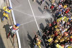 1. Max Biaggi, Pons Honda; 2. Alex Barros, Repsol Honda Team