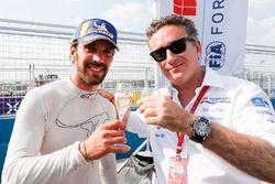 Jean-Eric Vergne, Techeetah, celebra con Alejandro Agag, CEO, Formula E