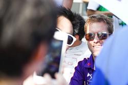 Sam Bird, DS Virgin Racing, imza seansında