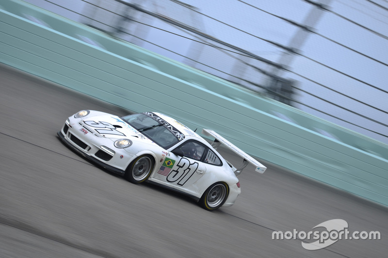 Бруно Батиста, Адальберто Батиста, Алан Холмайстер и Лука Серипьере за рулем MP1B Porsche GT3 #31