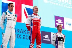 Podio: Ganador de la carrera Felix Rosenqvist, Mahindra Racing, segundo lugar Sébastien Buemi, Renau