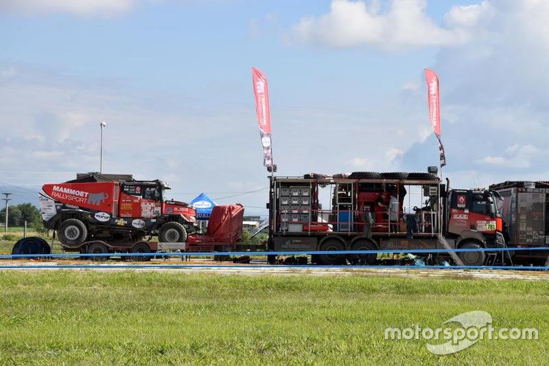 Renault #506: Martin Van Den Brink, Vouter Rosegaar, Daniel Kolozovsky