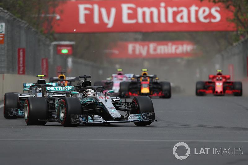 Lewis Hamilton, Mercedes-AMG F1 W09 EQ Power nel primo giro