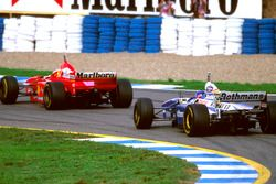 Jacques Villeneuve, Williams FW19 y Michael Schumacher, Ferrari F310B