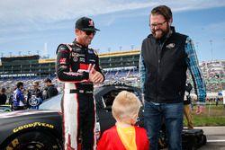 Clint Bowyer, Stewart-Haas Racing Ford, Rutledge Wood y Cash Bowyer