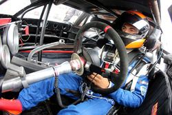 2017 NASCAR Drive for Diversity participant Ernie Francis Jr. waits in his car