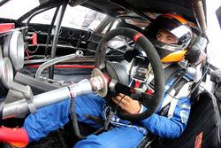 2017 NASCAR Drive for Diversity participant Ernie Francis Jr. waits in his car