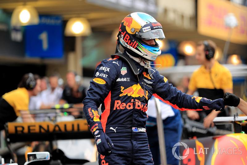 Daniel Ricciardo, Red Bull Racing RB13 festeggia nel parco chiuso