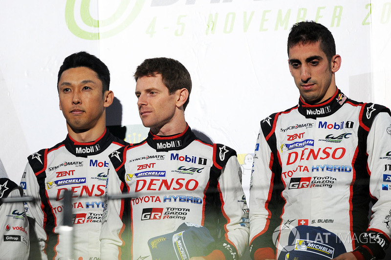 Podio: i vincitori della gara Sébastien Buemi, Anthony Davidson, Kazuki Nakajima, Toyota Gazoo Racing