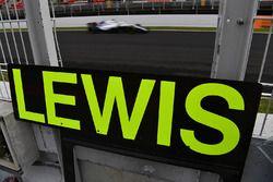 Pizarras para Lewis Hamilton, Mercedes-AMG F1
