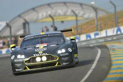 Пол Далла-Лана, Педро Лами, Матиас Лауда, Aston Martin Racing, Aston Martin Vantage AMR (№98)