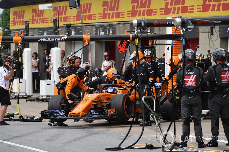 Fernando Alonso, McLaren MCL33, abandona el GP de Canadá
