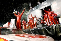 Ganador de la carrera Christopher Bell, Joe Gibbs Racing, Toyota
