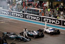 Lewis Hamilton, Mercedes-Benz F1 W08 and Valtteri Bottas, Mercedes-Benz F1 W08 celebrate in parc f