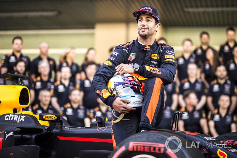Daniel Ricciardo, Red Bull Racing at the Red Bull Racing team photo