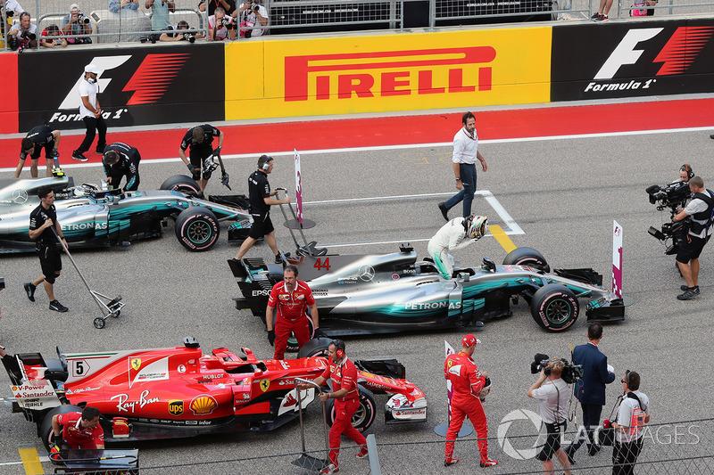 Polesitter Lewis Hamilton, Mercedes-Benz F1 W08 celebrates in parc ferme with Sebastian Vettel, Ferr