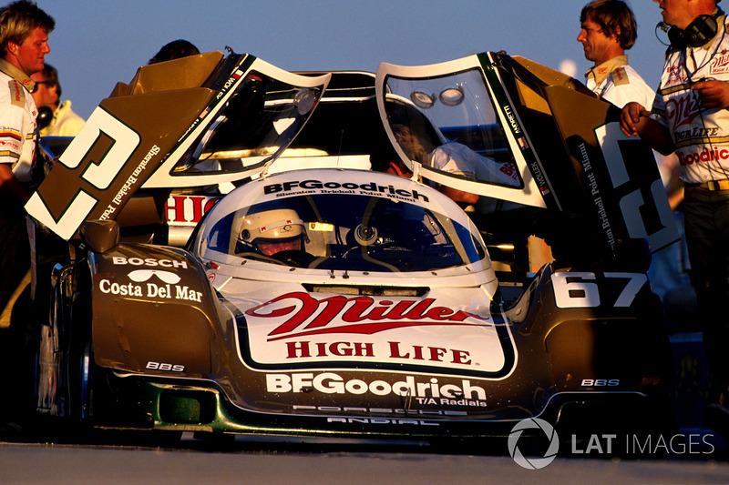 Race winner Bob Wollek, Derek Bell and John Andretti, Porsche 962