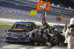 Christopher Bell, Kyle Busch Motorsports Toyota, pit stop