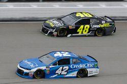 Kyle Larson, Chip Ganassi Racing, Chevrolet Camaro Credit One Bank Jimmie Johnson, Hendrick Motorspo