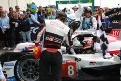 Ganadores #8 Toyota Gazoo Racing Toyota TS050: Kazuki Nakajima, Fernando Alonso