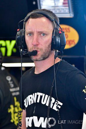 Martin Truex Jr., Furniture Row Racing, Toyota Camry 5-hour ENERGY/Bass Pro Shops, Cole Pearn