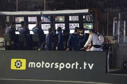 Motorsport.com and Motorsport.tv logos on pitlane