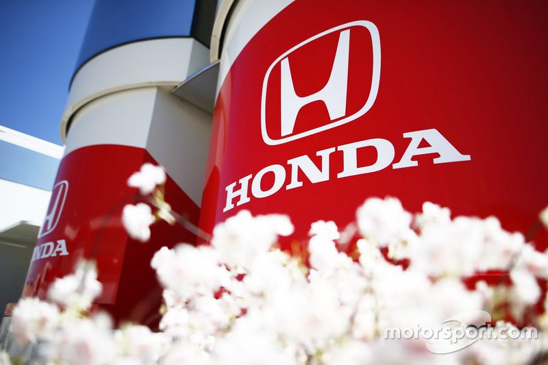 Loghi Honda su un motorhome