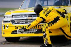 Cody Coughlin, GMS Racing, Chevrolet Silverado Jeg's.com pit stop
