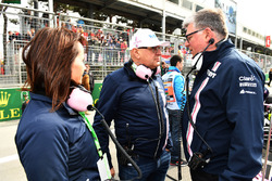 Otmar Szafnauer, Force India Formula One Team Chief Operating Officer on the grid