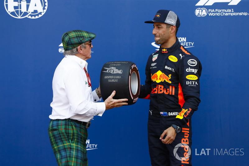 Sir Jackie Stewart presents Daniel Ricciardo, Red Bull Racing, with the Pirelli pole position award