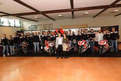 Foto di gruppo del Barni Racing team