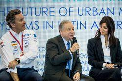 Alejandro Agag, PDG de la Formule E, Jean Todt, président de la FIA, Virginia Elena Raggi, maire de Rome, lors de la conférence FIA Smart Cities