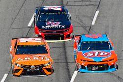 Daniel Suarez, Joe Gibbs Racing, Toyota Camry ARRIS and Darrell Wallace Jr., Richard Petty Motorsports, Chevrolet Camaro STP