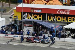 #67 Chip Ganassi Racing Ford GT, GTLM: Ryan Briscoe, Richard Westbrook, Scott Dixon pit stop