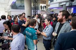 Antonio Felix da Costa, Andretti Formula E Team Team, parla con la stampa al lancio della Qualcomm S