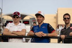 Charles Leclerc, Sauber, Pierre Gasly, Scuderia Toro Rosso and Romain Grosjean, Haas F1 on the drive